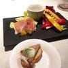 ルッチコーレ - 料理写真:生ハムと新線野菜の一品