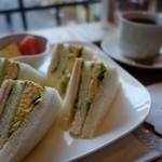 39525931 - (2015/5月)「ミックス・サンドイッチ(ハム・チーズ・たまご)」