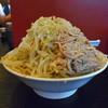麺とび六方 - 料理写真:ラーメン特大(ヤサイマシ)