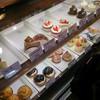 菓子工房 BooHooWoo - 料理写真:店内/ケーキのショーケース