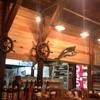 ハイサイ食堂 - 外観写真:船好きな主人の宝物が無造作に置いてあります