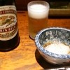 鳥平 - 料理写真:瓶ビールと大根おろし(ONしらす)