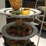 銀座カフェビストロ 森のテーブル - 無添加自家製スモークとバームクーヘンの 満足Afternoon Tea