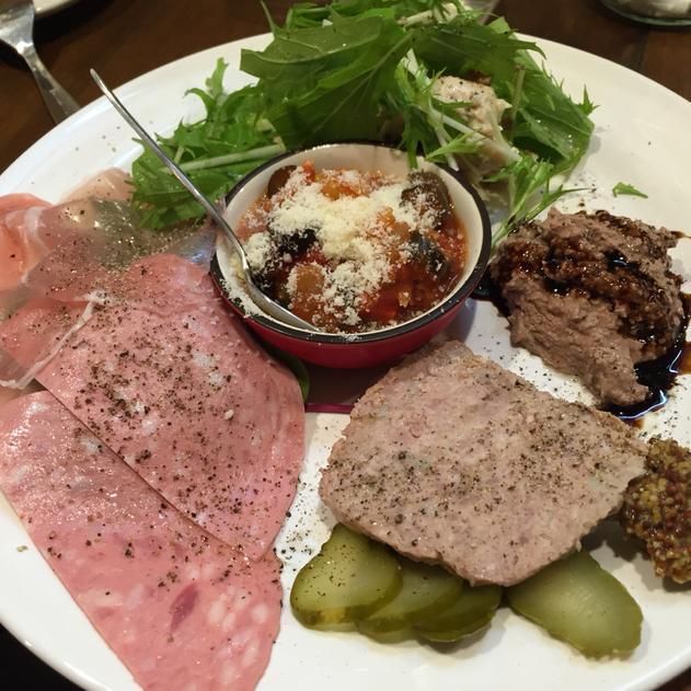 肉とワインOKIGARU BAR