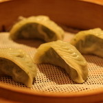 鼎泰豐 - 2015年6月ランチ お野菜タップリの餃子。まあまあ