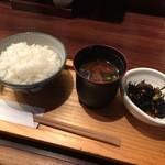 人形町 田酔 - ごはん、赤出汁、日替わり小鉢