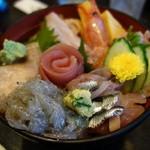 魚河岸割烹さかなや千本一 - 海鮮丼1500円