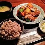 土風炉 夢町小路 - ヘルシーチキンと野菜の黒酢あん定食