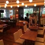 TRAVEL CAFE by TABIKOBO - 禁煙席  夜は生演奏あるみたいです