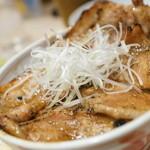 十勝豚丼 いっぴん - 豚ざんまい丼