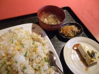 中華居食屋楽楽