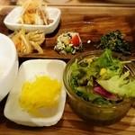 atari CAFE&DINING - 小籠包 食べてしまいました(^_^;) の画像