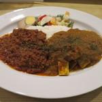 梵平 - 梵平ミックスカレー(キーマ+豆腐と野菜のカレー)