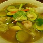 泰山 - 料理写真:五目麺