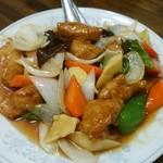 新華苑 - 料理写真:酢豚