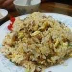 新華苑 - 料理写真:焼き飯大盛り