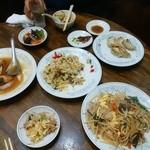 新華苑 - 料理写真:豪華な晩御飯。