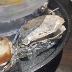 牡蠣と魚 海宝 - 焼き牡蠣もたくさん乗ってました♪