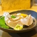徳多和良 - 黄はた刺(432円)