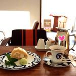 Cafe Celeste - 食器も素敵なのでパチパチ撮りました。