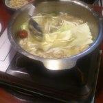 談山  - 料理写真:もつ鍋。味付けはあっさりしていて、とても食べやすい。かなり食い進んだ写真ですみません。