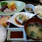 丸喜寿司 - 丸喜日替り定食A