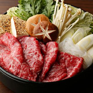 蕎麦のかえしを牛鍋の割下に使用した霜降り和牛の下町風「牛鍋」