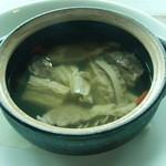 39810302 - 牛肉入りスープ