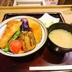 タレカツ - 野菜ヒレカツ丼セット