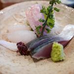 大根 - お刺身盛り合わせ1人前1600円(青森カレイ、銚子金目鯛、能登シメサバ)