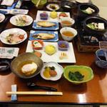 きのさきの宿 緑風閣 - 料理写真:これは朝食です。