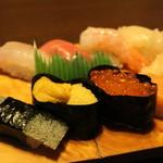 惣六 - 料理写真:上生鮨2100円