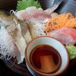 海の花 - 館山ご当地グルメ『炙り海鮮丼』2の段