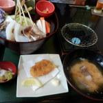 海の花 - 館山ご当地グルメ『炙り海鮮丼』全体