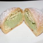 モンテスミヨシ - 中はたっぷり緑茶
