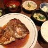うまうま - 料理写真:ランチタイムの鯛の荒煮ランチ(小鉢3品付)ご飯は玄米もご用意 880円