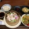 大陸まんま - 料理写真:2015/07 せいろ蒸し 鶏肉3種定食 (サラダバー&ドリンクバー付) 900円