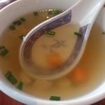 ジャイ タイ - ・ガパオガイ スープ