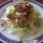 ジャイ タイ - ・ガパオガイ サラダ