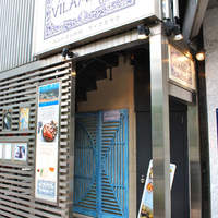 ヴィラモウラ - 店頭 泰明小学校正面ビルの地下