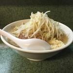 ラーメン二郎 - 小ラーメン750円麺半分野菜増しニンニク