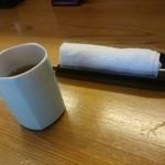 40090682 - お茶とおしぼり。