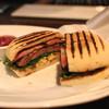 TWO ROOMS Grill  Bar - 料理写真:TR ステーキサンドイッチ (2015/07)