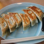 くるまや - 餃子 320円(税込み)