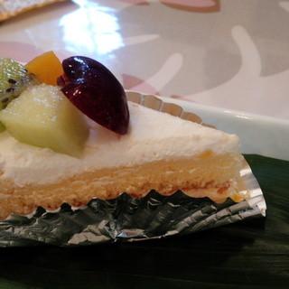 たいむ - 料理写真:フルーツショートケーキ
