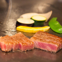 【当店1番人気】和牛フィレ肉ステーキはキメ細かくしっとり柔らかくて赤身の旨さをぜひお楽しみ下さい
