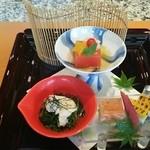 喜扇亭 - トマト豆腐、モロコシ、水菜の前菜