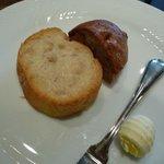 taverna Albero - Cランチ \2,100 のパン 2009.12