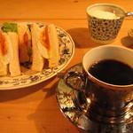 元町珈琲店 - コーヒーとサンドイッチ