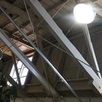 ベーカリーカフェ レンガ - のこぎり屋根の内部2